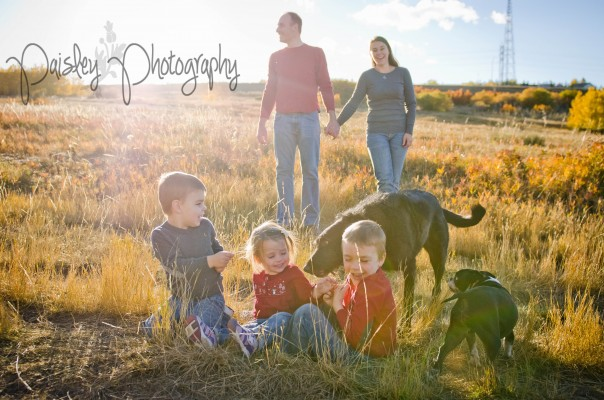 Christine's Cute Family – Edworthy Park Family Photos Calgary, AB