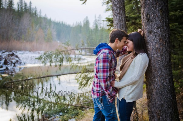{Steffen+Kathleen} Fishcreek Park Forest Engagement – Calgary Engagement Photographer