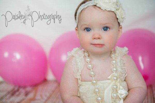 Paisley Turns One! – Calgary Cake Smash Photographer