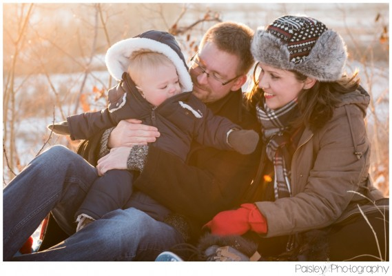 Wintry Thomas Family Session ~ Calgary Winter Family Photography