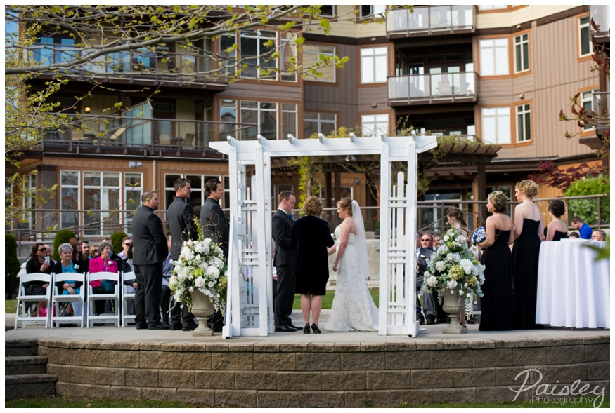 The Cove Lake Side Resort Wedding Ceremony