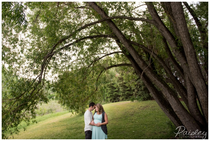 Calgary Confederation Park Maternity Session