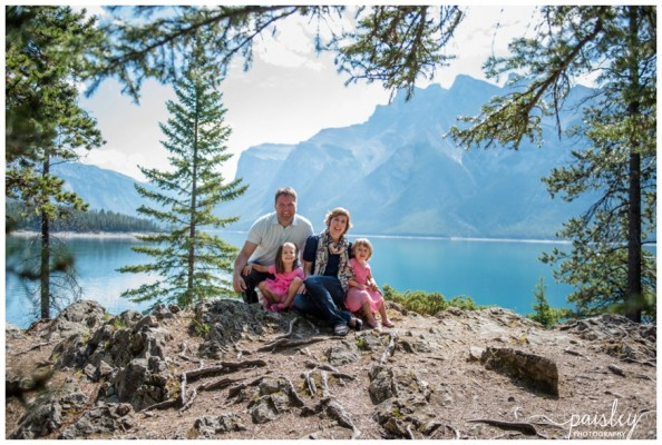 Banff Family Photographer – Lake Minnewanka Family Photography