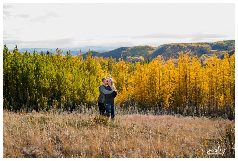 Glenbow Ranche Provincial Park Engagement Photos