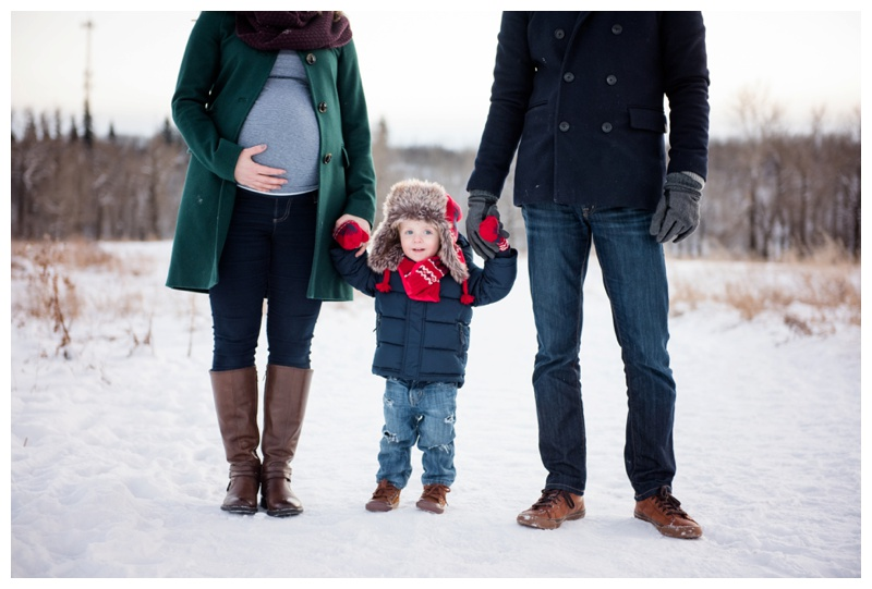 Maternity Photos in Winter Calgary