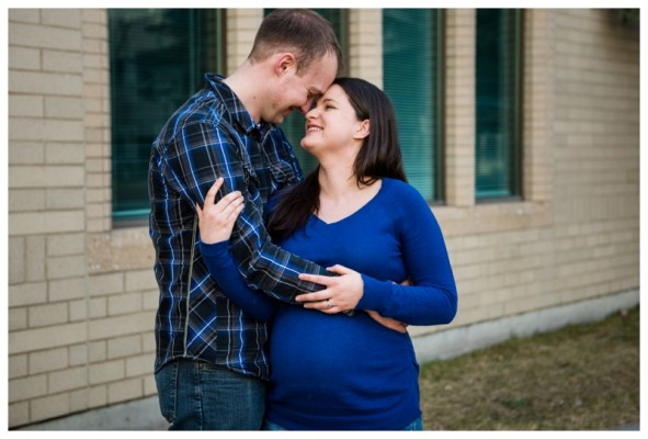 Mount Royal University Maternity Session – Calgary Maternity Photographer
