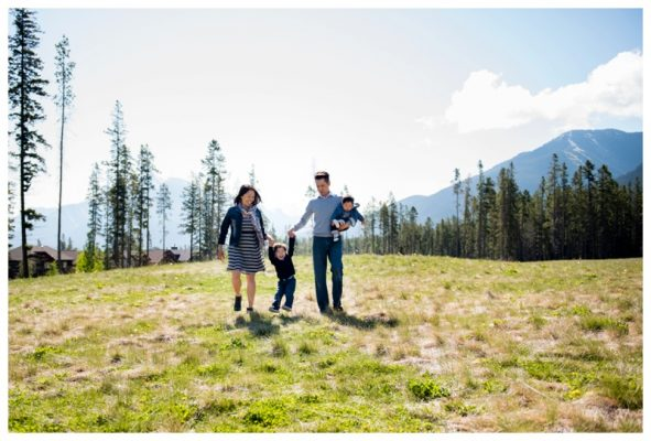 Three Sisters Mountain Family Photography – Canmore Family Photographer