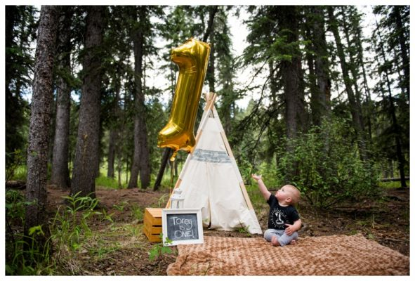 Outdoor Calgary Cake Smash Photo ~ Torey is ONE!