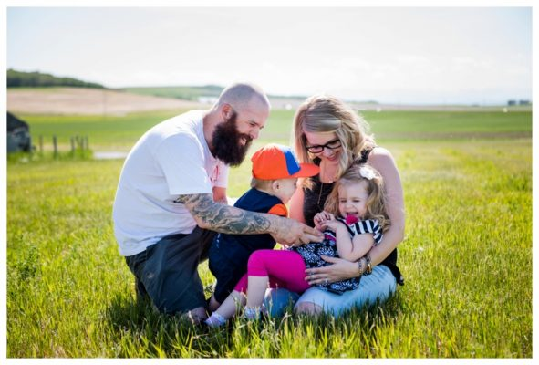 Okotoks Family Photography – Okotoks Erratic