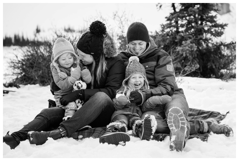 Snowy Candid Family Photography