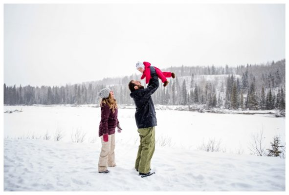 Bragg Creek Family Photography – Winter Family Photos Calgary