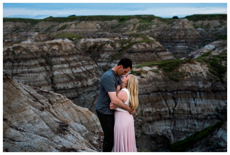 Badlands Engagement Photos Drumheller
