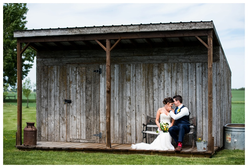 Olds Wedding Photographer - Willow Lane Barn