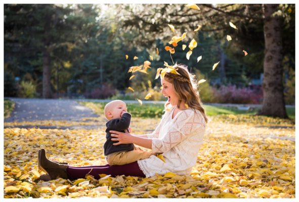 Bowness Park Fall Family Session | Dan & Sara | Calgary Family Photographer