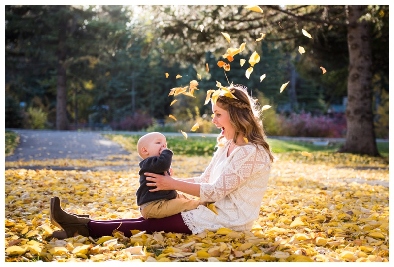 Bowness Park Fall Family Session