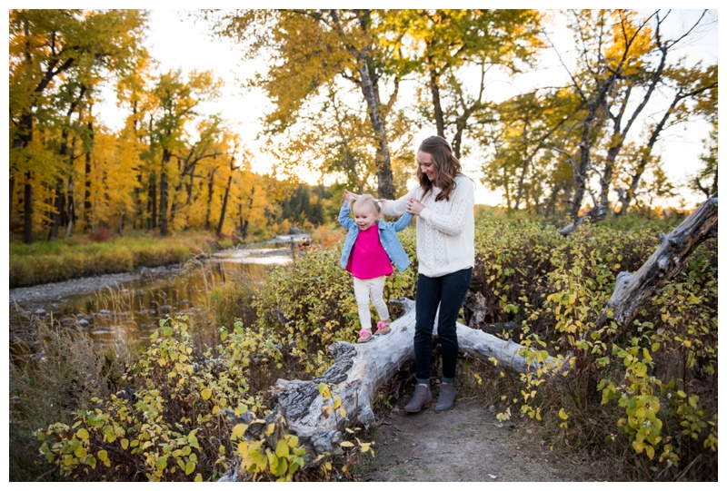 Autumn Fish Creek Park Family Session