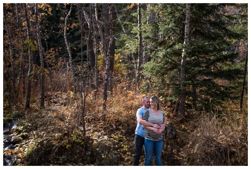 Big Hills Springs Maternity Session Cochrane