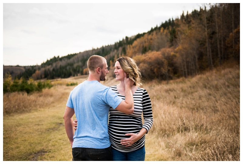 Calgary Maternity Photos - Big Hill Spring Park