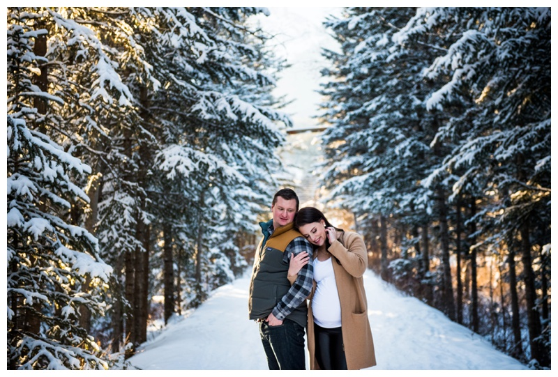 5 Tips to Survive Your Winter Photo Shoot | Calgary Family