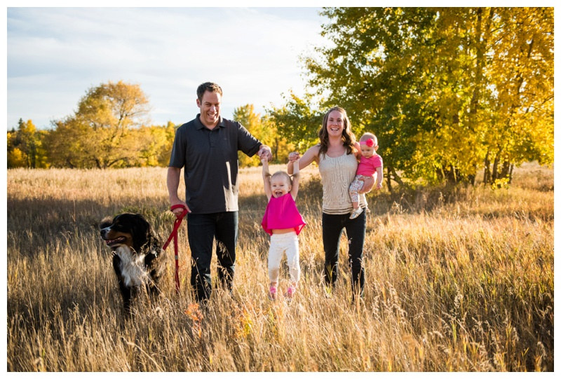 5 Tips For Including Your Dog In Your Family Sessions