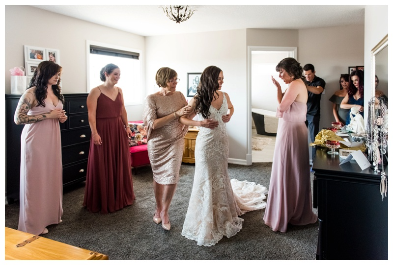 Calgary Wedding Photographer - Bridal Prep