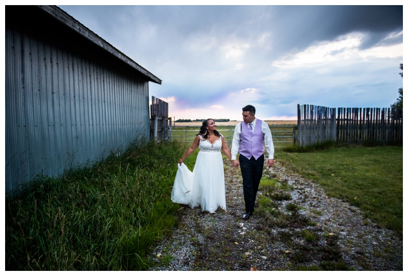 Barn Wedding Photographer- Willow Lane Barn Olds Alberta
