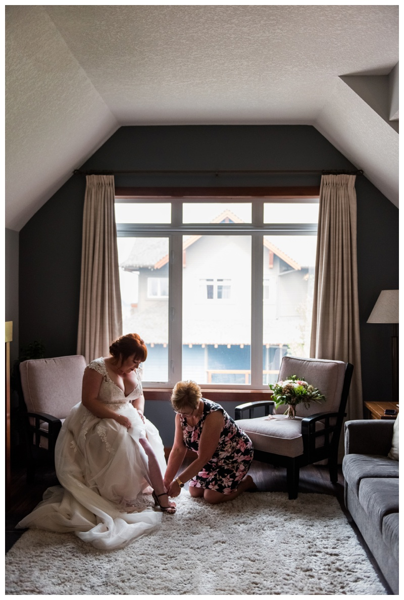 Canmore Wedding - Bride Gettign Ready Photos