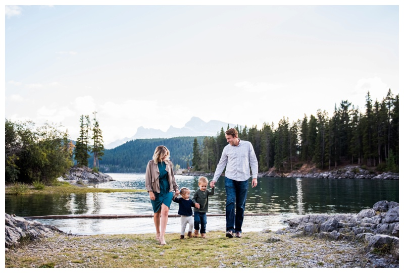 Family Photos Banff Alberta - Lake Minniwanka