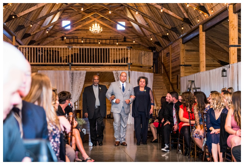 Barn Wedding Ceremony Photos - Willow Lane Barn