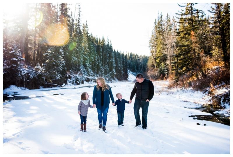 Snowy Family Photography Calgary