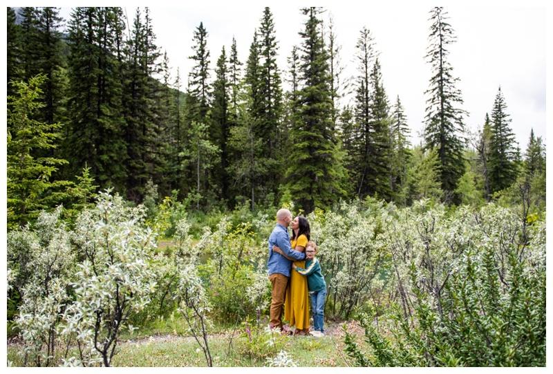 Kananaskis Mount Loretta Ponds Family Photographers
