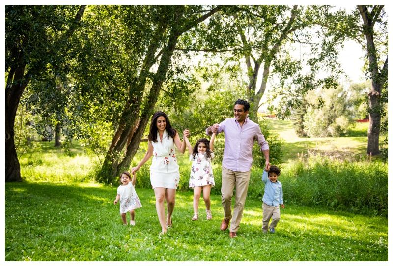 Calgary Family Photographer - Confederation Park