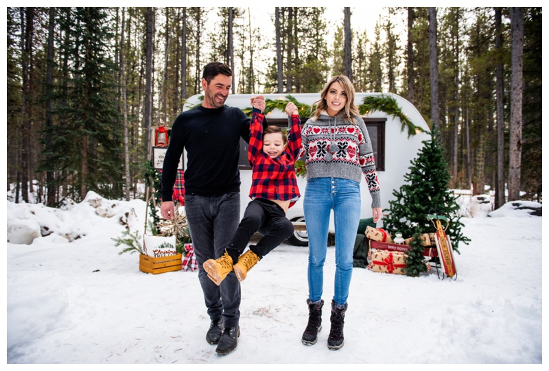 Calgary Christmas Mini Sessions - Happy Camper