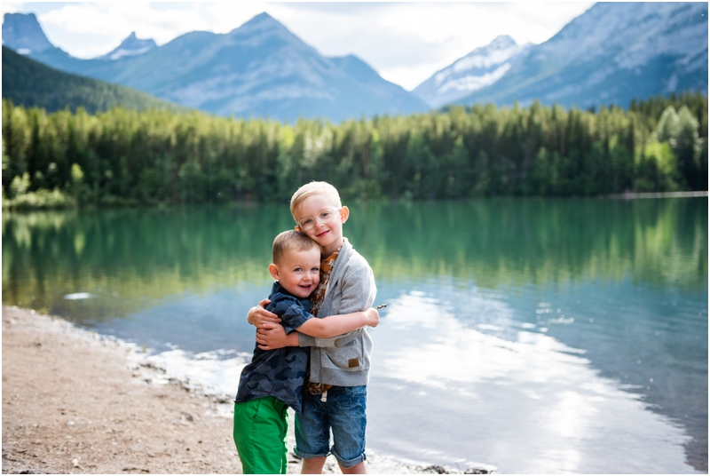 Kananaskis Wedge Pond Family Photographer