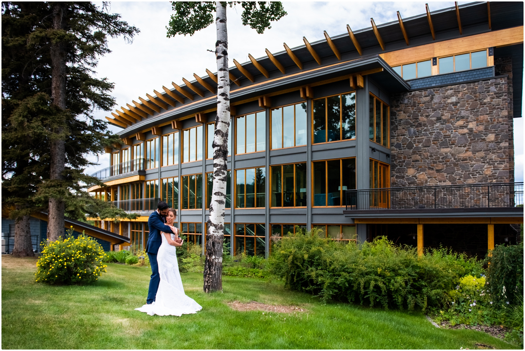 Azuridge Estate Hotel Wedding Photographer