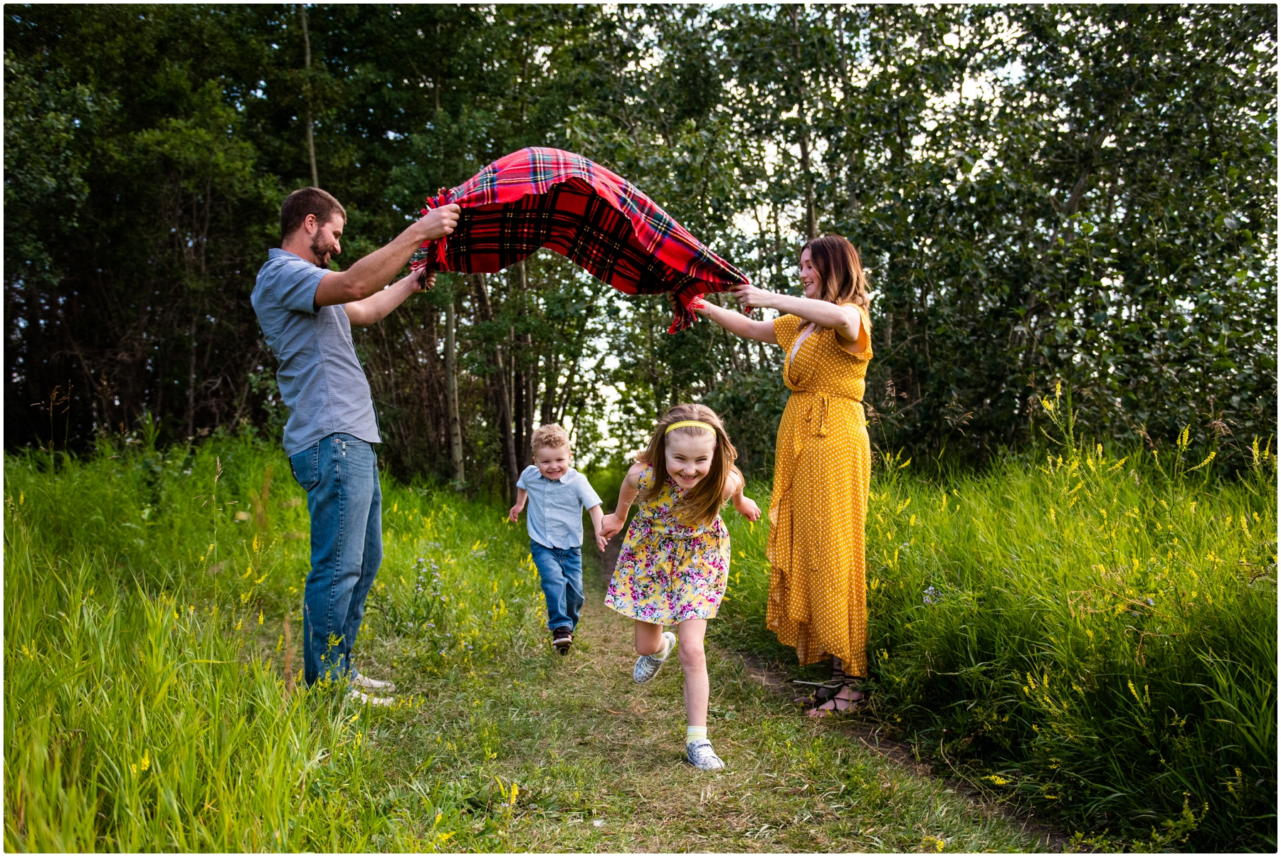 Calgary Family Photographer - Nose Hill Park