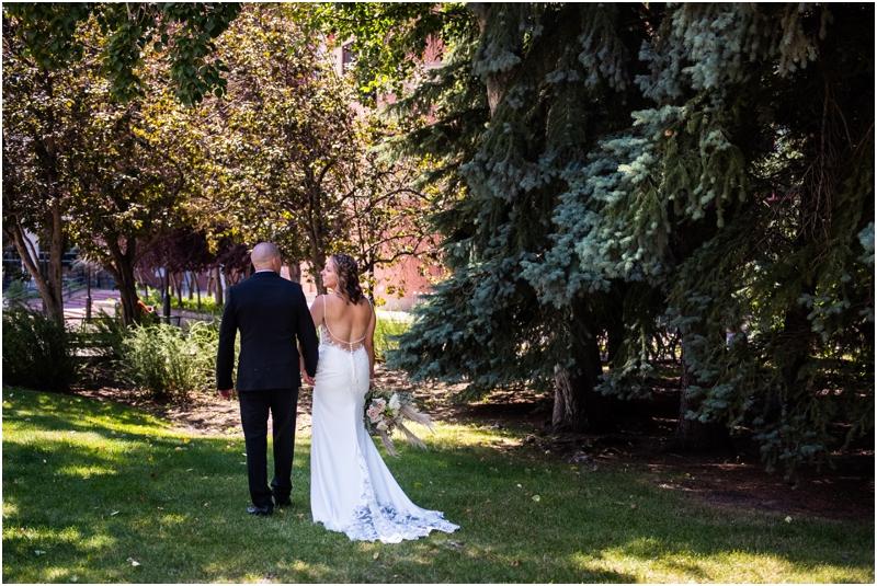 Calgary Wedding Photographer - Calgary Sheraton Eau Claire