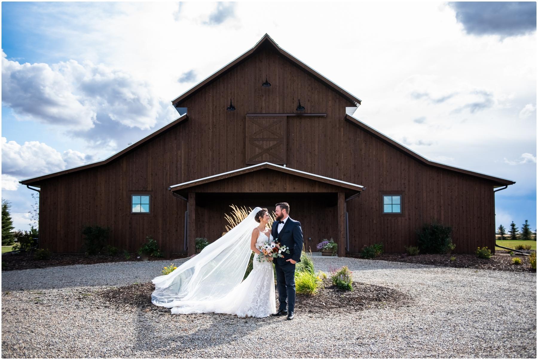 Barn Bride & Groom Photos - Sweet Haven Barn