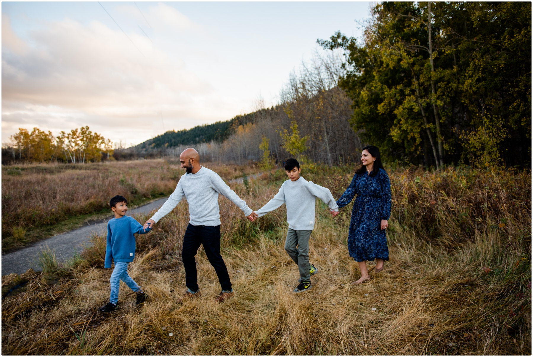 Calgary Fall Family Session- Edworthy Park Calgary