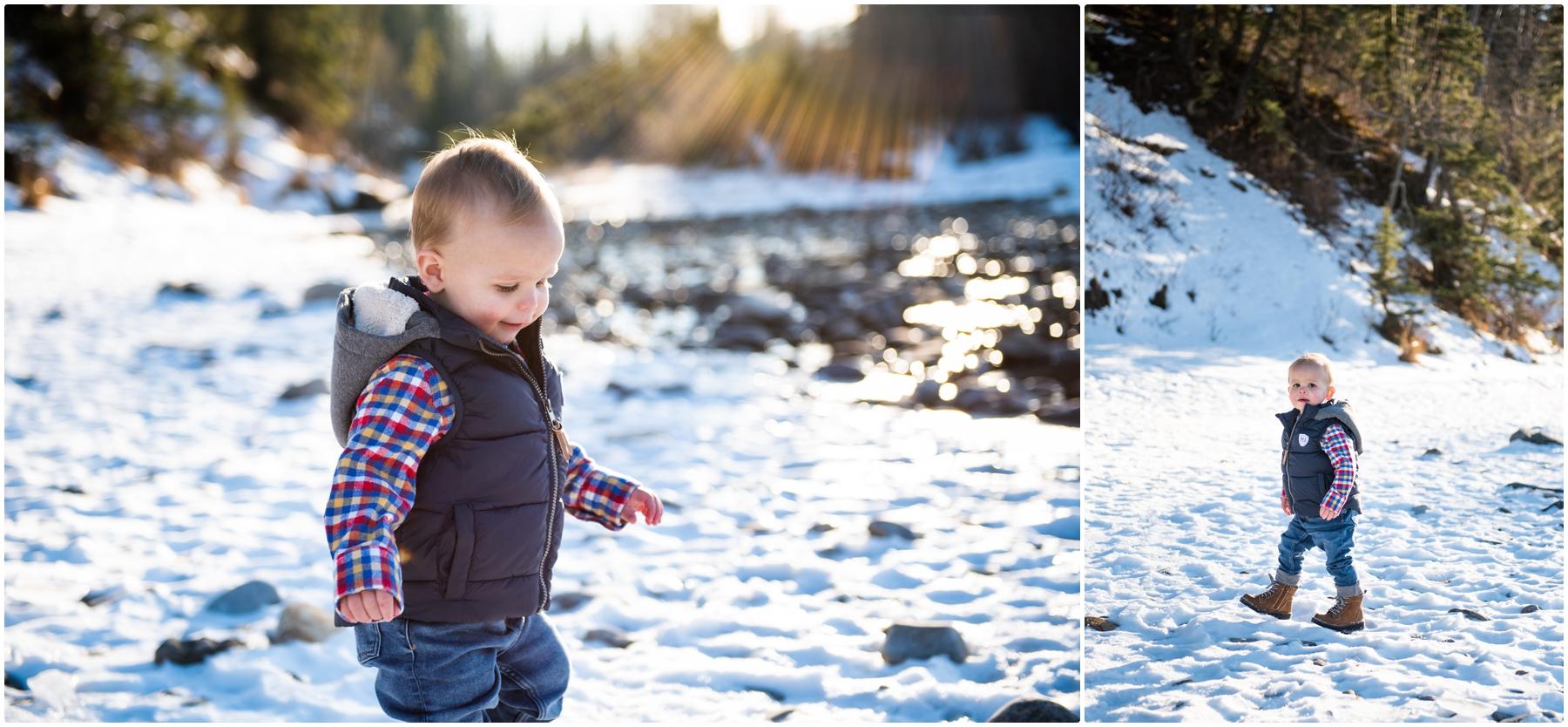 Calgary Winter Family Photographer - Bragg Creek Provincial Park