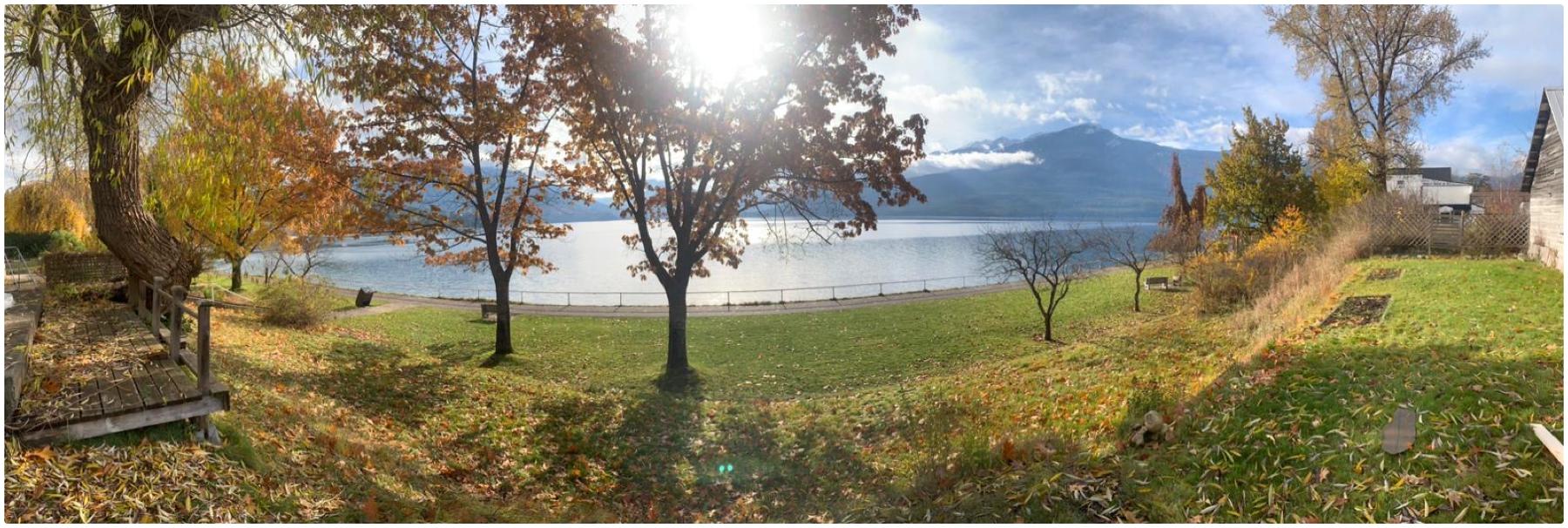 Nakusp Bc Airbnb - Lake Front Arrow Lakes Vacation Rental