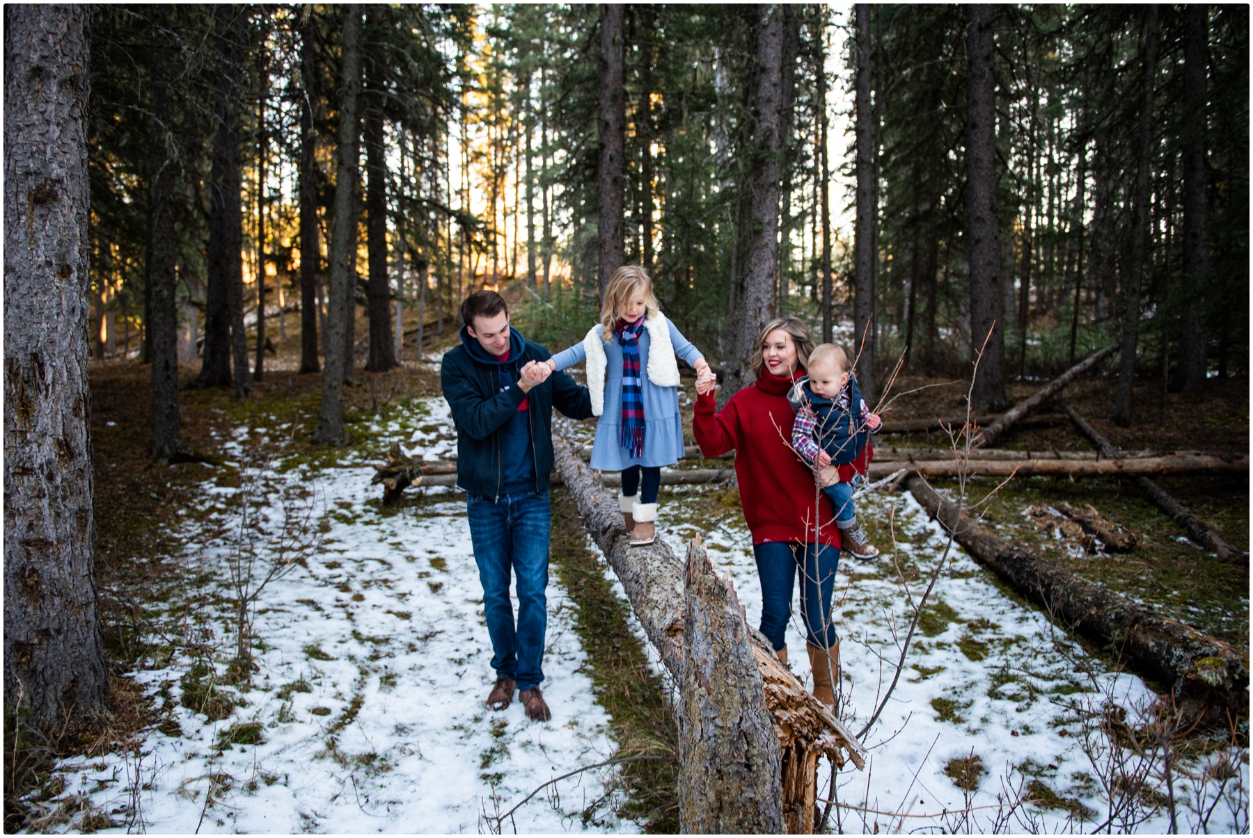 Winter Family Photography Session - Bragg Creek Provincial Park