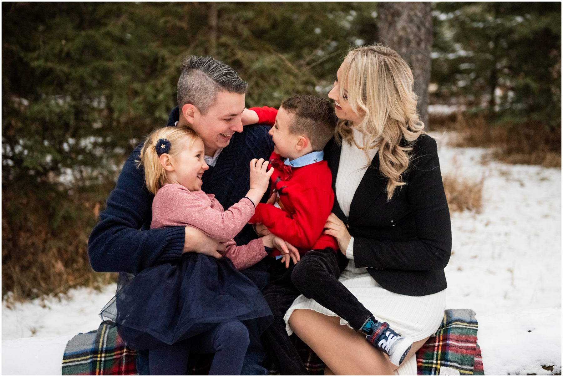 Calgary Alberta Winter Family Photographer - Bebo Grove Fish Creek Park.