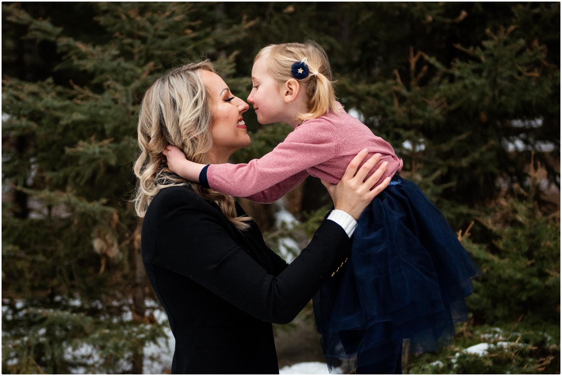 Calgary Winter Family Photographer - Fish Creek Park
