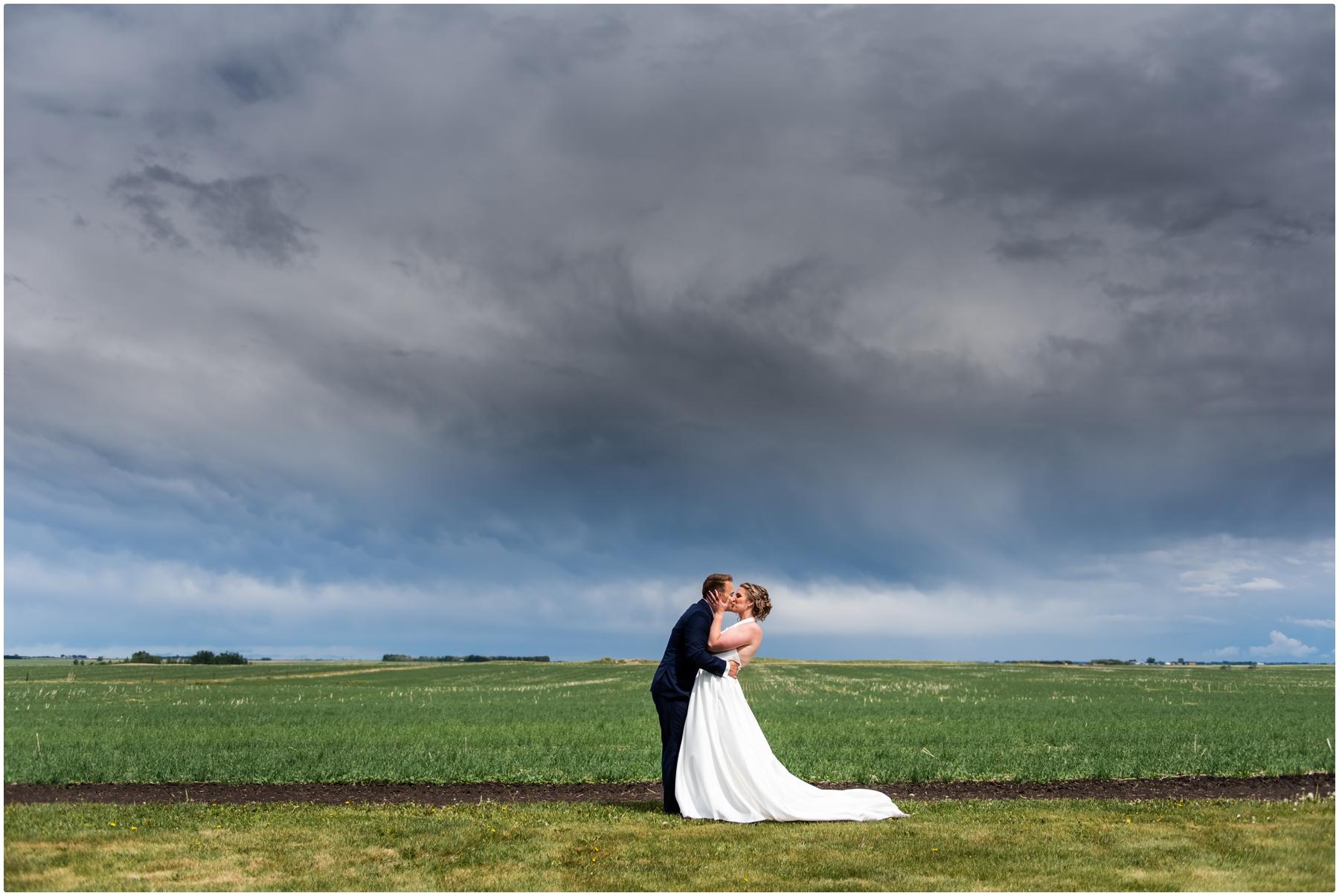 Willow Lane Barn Wedding - Calgary Wedding Photographer